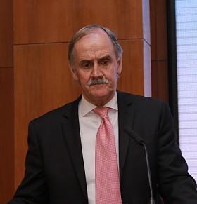 塔州上议长吉姆将出席峰会